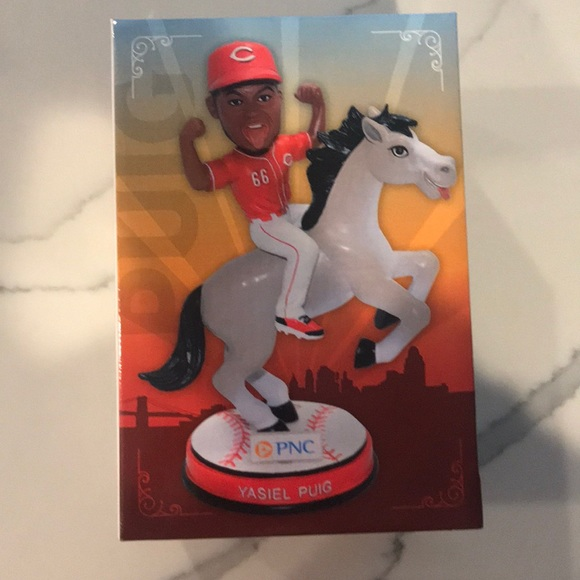 Other - NEW IN BOX Reds bobble head